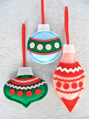 12-7Felt Ornaments